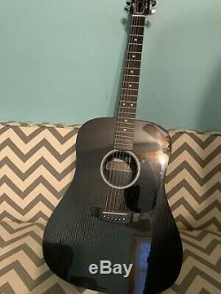 Near mint USA Rainsong graphite HDR1000 acoustic/electric guitar with hard case