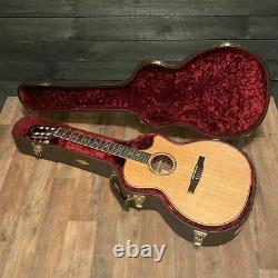 Taylor 814ce-N Nylon String Classical Acoustic Electric Guitar with Case