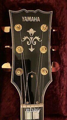 Yamaha SA2200 Sunburst Semi-acoustic electric guitar amazing condition